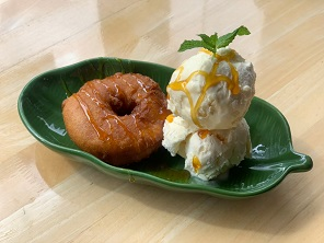 Pineapple Fritter with Ice-Cream (2 scoops)